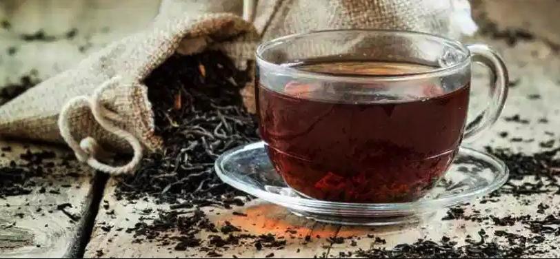 13 Health Benefits of Black Tea (Plus Potential Risks)